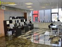 Наливные полы в офисах и салонах_21
